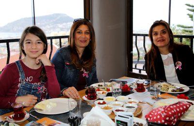 (Turkish) BAŞKAN ŞAHİN, KADIN GİRİŞİMCİLERLE BİR ARAYA GELDİ