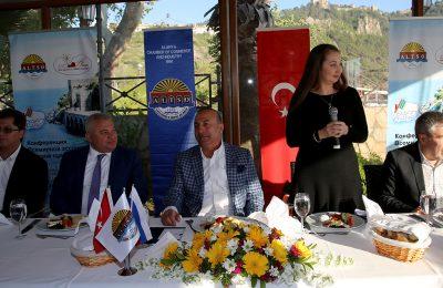 (Turkish) DÜNYA RUS MEDYA KONFERANSI ALTSO'DA BAŞLADI
