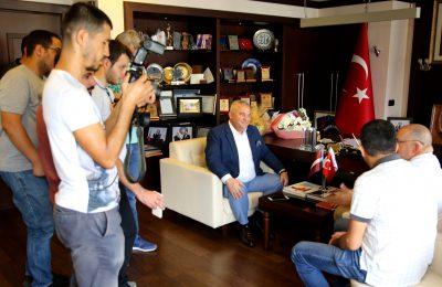 (Turkish) LETONYA BÜYÜKELÇİSİ BAŞKAN ŞAHİN'İ ZİYARET ETTİ