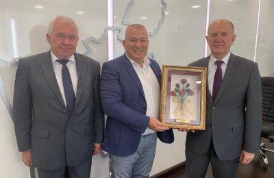 (Turkish) BAŞKAN ŞAHİN, BELARUS TEMASLARINA DEVAM EDİYOR