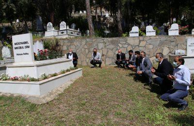 BAŞKAN ŞAHİN, MÜSTAKBEL DİM'İN KABRİNİ ZİYARET ETTİ